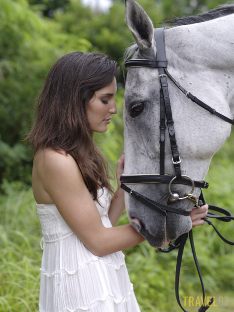 Horse riding on Okinawa - Liz & Sky (645D with 67 105mm lens)