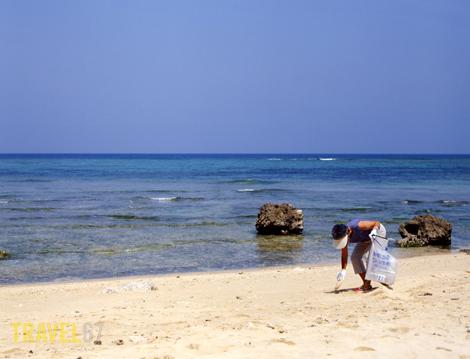 Beach clean up in Yomitan, Okinawa