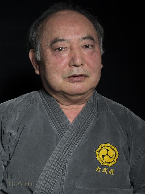 Yoshiaki Gakiya Sensei, Matayoshi Kobudo. Okinawa Kobudo Doushi Rensei-kai
