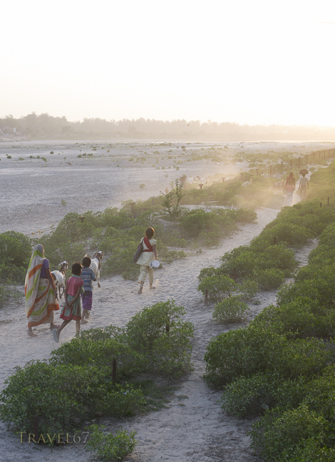 On the banks of the Yamuna River, Agra, India