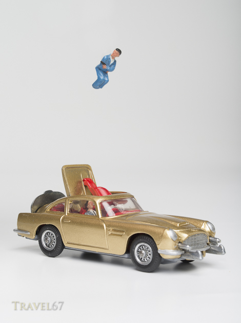 Corgi Toys (261) Die-cast Model of James Bond's Aston Martin DB5 in Goldfinger with ejector seat produced in 1965