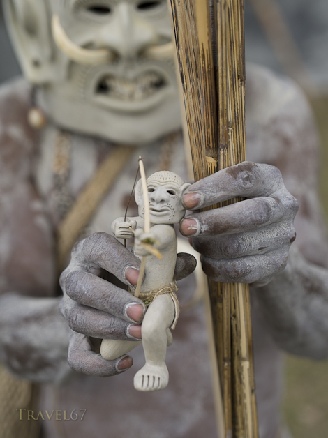 Asaro Mudmen Singsing Group, Daulo District, Eastern Highlands Province - Goroka Show Papua New Guinea