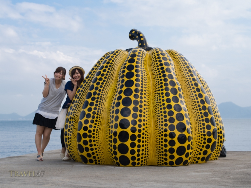 Giant yellow pop art pumpkin by the Japanese artist Yayoi Kusama. Benesse Art Site Naoshima, Japan