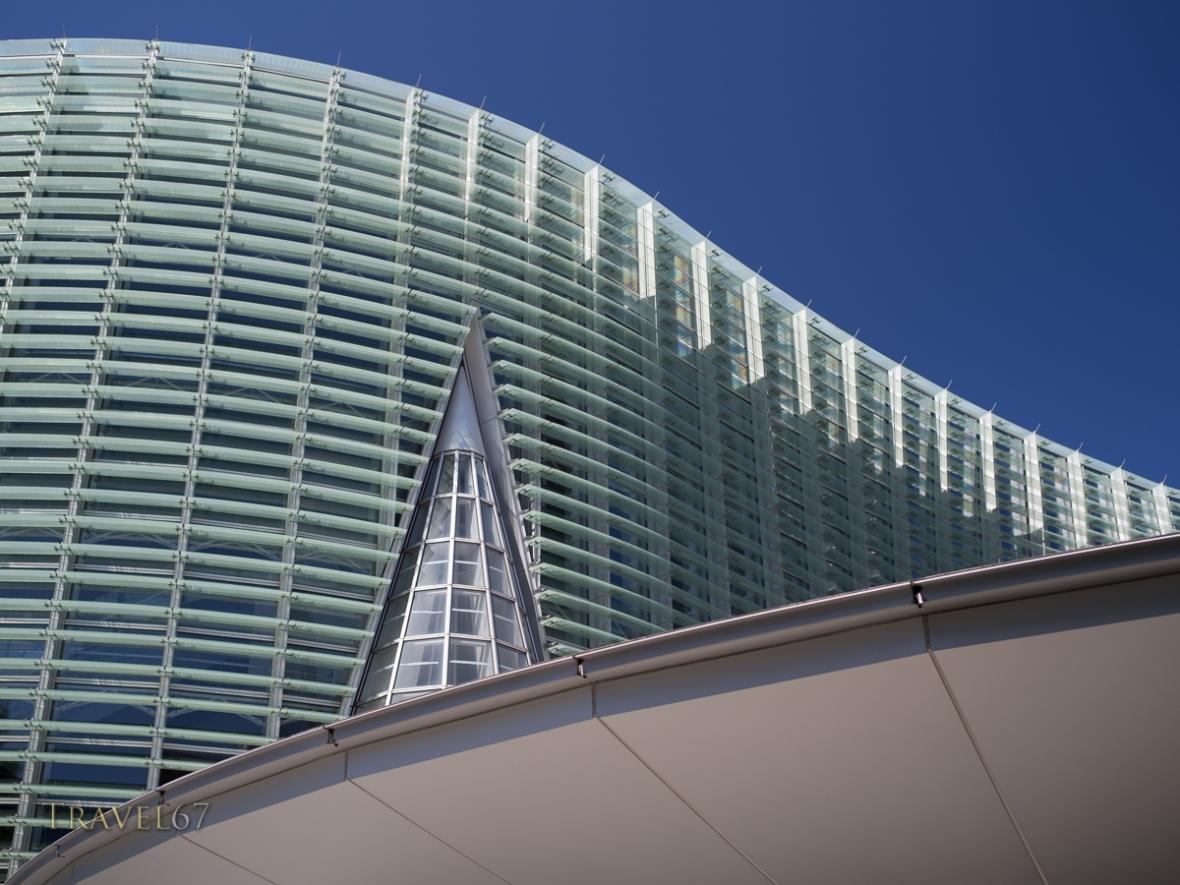 The National Art Center, Tokyo, Roppongi, by Kisho Kurokawa