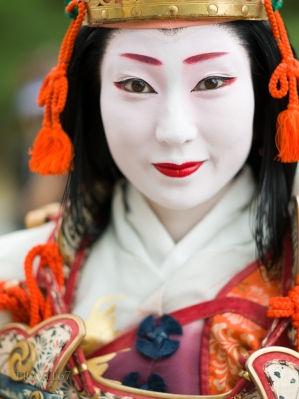 Geiko Tamaha of Gion Kobu dressed as the female samurai and concubine Tomoe Gozen. Kyoto's Jidai Matsuri (Festival of Ages).