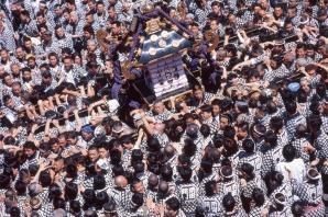 67tokyo131-a-sanja-matsuri